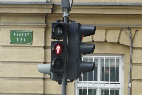 Lublana. Wyświetlacz pokazujący ile sekund pozostało do zapalenie się zielonego światła dla pieszych