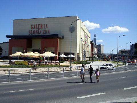 Radom. Brakujące przejścia przy placu Jagiellońskim