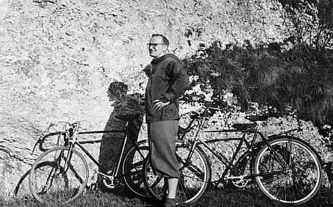 Karol Wojtyła na rowerze