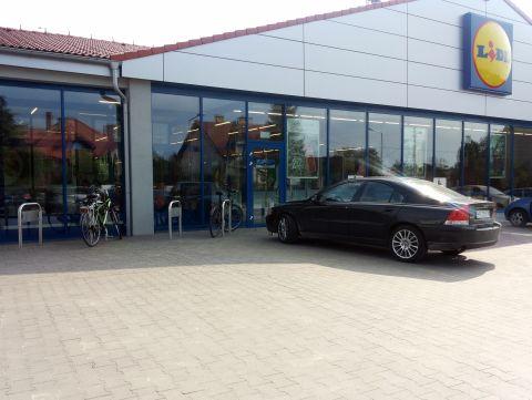 Radom. Stojaki rowerowe, Lidl, bicycle parking rack Wierzbicka