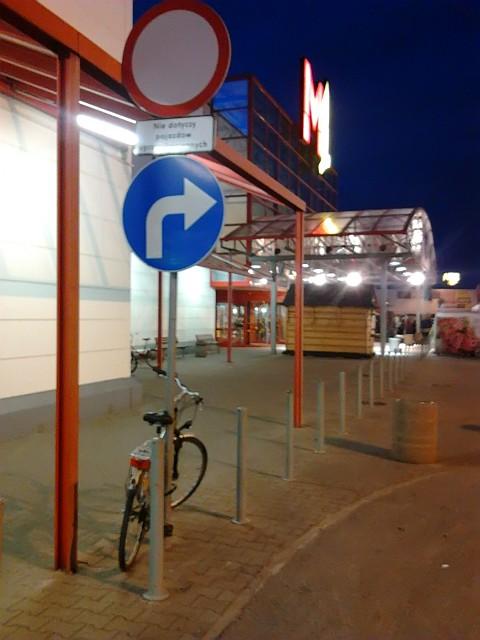 Radom, M1, brak solidnych stojaków rowerowych