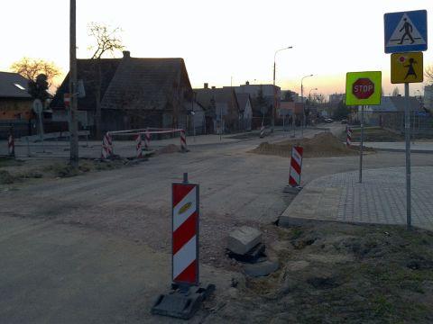 Radom. Budowa wyniesionego skrzyżowania Górna Odrodzenia Kaszubska