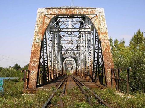 Warka. Most kolejowy nad Pilicą. Źródło: panoramio.com