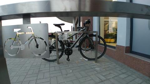 Radom. Biedronka, Placowa 10 stojaki dla rowerów