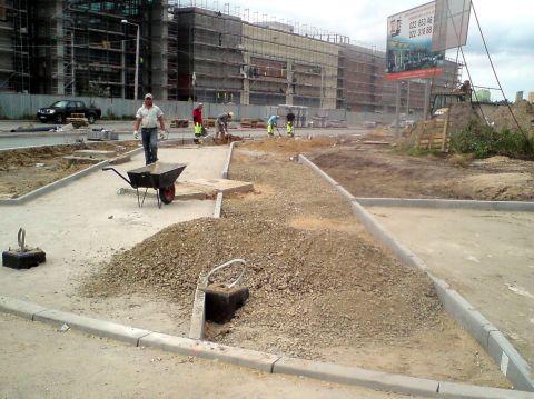 Radom. Budowa drogi rowerowej na ulicy Chrobrego