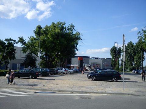 Radom. Reprezentacyjny plac Jagielloński stał się parkingiem