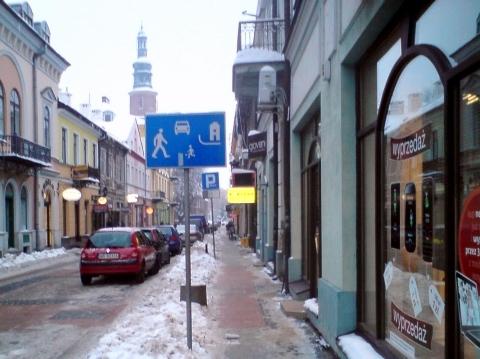 Radom. Chodnik na ul. Rwańskiej wolny od samochodów