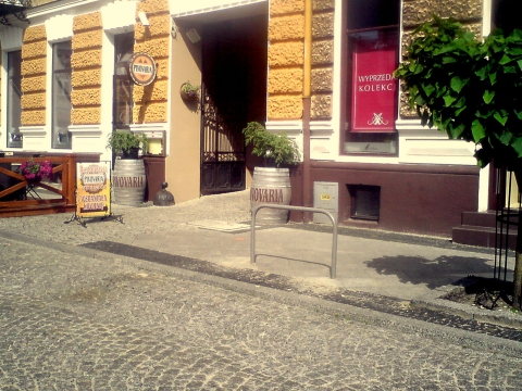 Radom. Stojak rowerowy na ul. Moniuszki