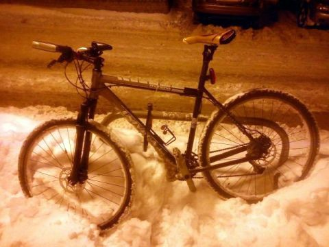 Radom. Stojak rowerowy na ulicy Słowackiego