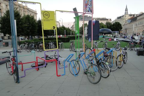 Wiedeń. Orginalny stojak na rowery