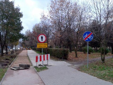 Radom. Ulica Warszawska, budowa drogi rowerowej